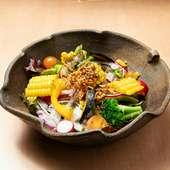 大切に育てた旬の野菜が主役!『旬の野菜サラダ』
