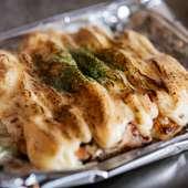 鉄板で焼いて一味違った味わいを楽しむ『焼きポテトサラダ』