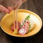 料理長厳選の高級食材をちりばめた会席料理がお手軽な価格で愉しめるコストパフォーマンスの高いコース。