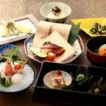 日本酒との相性も抜群の旬会席。バランスの良い料理構成で銘々盛りでご提供します。