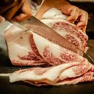 赤身肉を中心としたお肉の盛り合わせは、コースの中心となるひと品。お肉の品質、当日のお肉のコンディションから厳選された6品。それぞれの個性を噛みしめてみませんか。