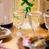 ふらっと1杯でも。カウンター席のみの日本酒Barもあります