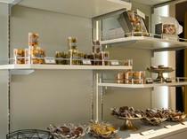 ケーキや焼き菓子はテイクアウトOK