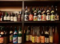 日本酒、焼酎、梅酒合わせて100種類常備。山形フルーツのお酒も