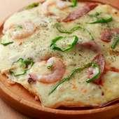 チーズがトロリ。焼きたて、熱々を楽しめる『本日の気まぐれピザ』