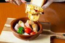 各国より厳選したチーズをぜひご賞味ください。
