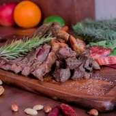 霜が入った柔らかい肉質が特徴!『黒毛和牛サーロインステーキ(150g)』