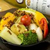 農家直送の新鮮野菜がたっぷり。体が喜ぶ『野菜のアヒージョ』