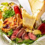 旨味満点のステーキにとろーりチーズをプラスでオン