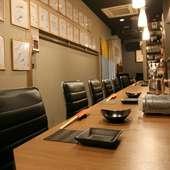 日本酒や日本酒を片手に語らう、大人のデートに