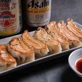 ニンニクの香りが食欲をそそる『手作り焼餃子』