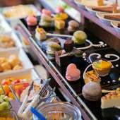 味わい派もボリューム派も大満足の食べ放題が昼夜ともに大人気