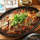 旬の鮮魚を鉄板焼きに。中国料理の本場で修業した料理人がつくる鉄板料理『鉄板魚』