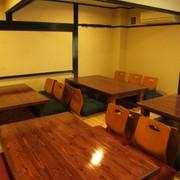 お座敷タイプの半個室・完全個室やカウンターもあり
