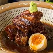 【照】の定番! 魂煮込み。糸島産に豚を使用した人気の逸品です。