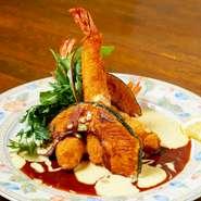 季節感にこだわり、コースやパーティー料理には旬を楽しめる季節のメニューを取り入れています。