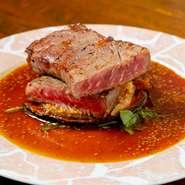 主にアンガス牛を使用したやわらかなサーロインステーキ。肉の旨みを中にとじこめたジューシーなステーキを、自家製バーベキューソースでいただきます。200gからオーダーOK。