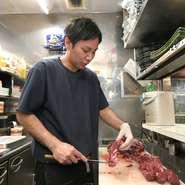 【和牛LAB 横浜店】は、誕生日や記念日など、特別な日の食事にもオススメの一軒。事前の予約でメッセージ入りデザートプレートを用意するサービスも。提供タイミングなど、スタッフと相談可能です。