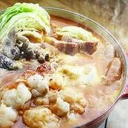 当店自慢の個室は2名様からご案内可能です!いつもとは違うお洒落な空間で新鮮食材を使ったお料理をご堪能いただけます。少人数~ご利用可能な個室席完備◎