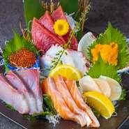 鮮度抜群の刺盛りは当店名物!! 3点盛り~大漁盛りをお選びください。