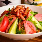 炙りベーコンのグリーンサラダ