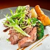 柔らかくジューシーな牛肉のステーキ『名物! 牛カイノミのタリアータ』