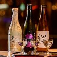 『田中六五』『鍋島』『東一』など、シェフが全国から厳選した日本酒を十数種類ほどを常備。数種類から3種を選べる『SAKE 3種飲み比べ』は日本酒好きには特におすすめです。A5ランク限定の厳選和牛と相性抜群です。