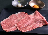 口の中でとろける旨さ。おすすめ2種類の食べ比べ『A5和牛SAKUKE焼きしゃぶ2種食べ比べ』