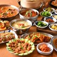 本格的な韓国料理をアレンジした創作料理が多数! 韓国の代表的な屋台料理や韓式寿司などをご堪能下さい。