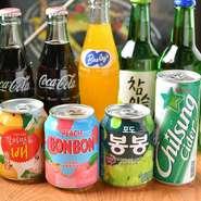 マッコリやチャミスルといったアルコールドリンクから、ヘテジュースなどノンアルコールジュースも充実!