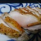 赤鶏ムネ肉の炙り焼き