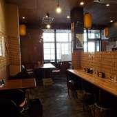 テーブル席(2、4人)・カウンター席