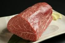 鉄板焼き田が仕入れるA5ランクの和牛をお楽しみ下さい。