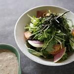 自然薯ネバトロサラダ