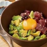 噛めば噛むほど旨いエイヒレを、熱々の天ぷらで!
