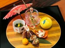 彩りも美しい懐石コースの旬菜