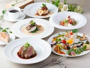 四季折々の地元食材を選りすぐり、体に優しい料理に仕立てる