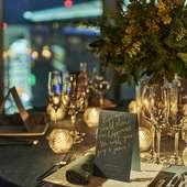 非日常的な空間とこだわりの料理が記念日に華を添えます。