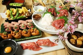 大将がお肉を手で一つづつ丁寧に握っております、肉寿司を楽しみたい方はおすすめです! 飲み放題別