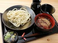 焼津漁港直送マグロを自家製かえしダレで『ヅケ丼セット』
