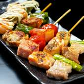 ぜひ食べておきたい!肉や魚と野菜のコンビネーションを楽しめる『串焼き』