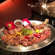 年に1度の祝いにサプライズに大人気なのが花火を添えて出す祝いのステーキです。 ご予約の際にでも突然のサプライズにでも一声かけて頂けたらご注文されたステーキに花火で演出してお持ちいたします。