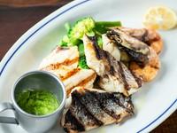 毎日、新鮮で旬の魚介類を楽しめる『本日のいろいろなお魚グリル』