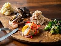 料理人のオリジナリティに溢れている一皿『前菜盛り合わせ 6種盛り』