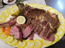 トマホークは1度は食べたい豪快な骨付きステーキです。