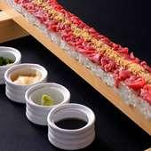 桜肉ロングユッケ寿司