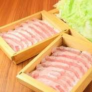 濃厚な脂身が特徴です。肉質は柔らかくコクと風味に富んでいます。 ※一人前価格