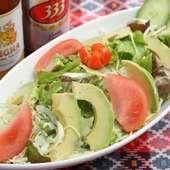 鮮度抜群! 野菜をたっぷりいただける『アボカドサラダ』