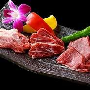 ヘルシーでビタミン豊富な当店の馬肉は、軽く火を通す事によって脂身が柔らかく溶け出し、今までとは違った馬肉の口当たりをお楽しみいただけます。品質が良いから美味しい。めずらしい馬肉焼肉を是非どうぞ!
