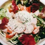 男女問わず新メニュー1番人気の明太チーズだし巻き!!玉子の中から溢れ出すトロトロチーズ、明太マヨソースを絡めてお召し上がり下さい。